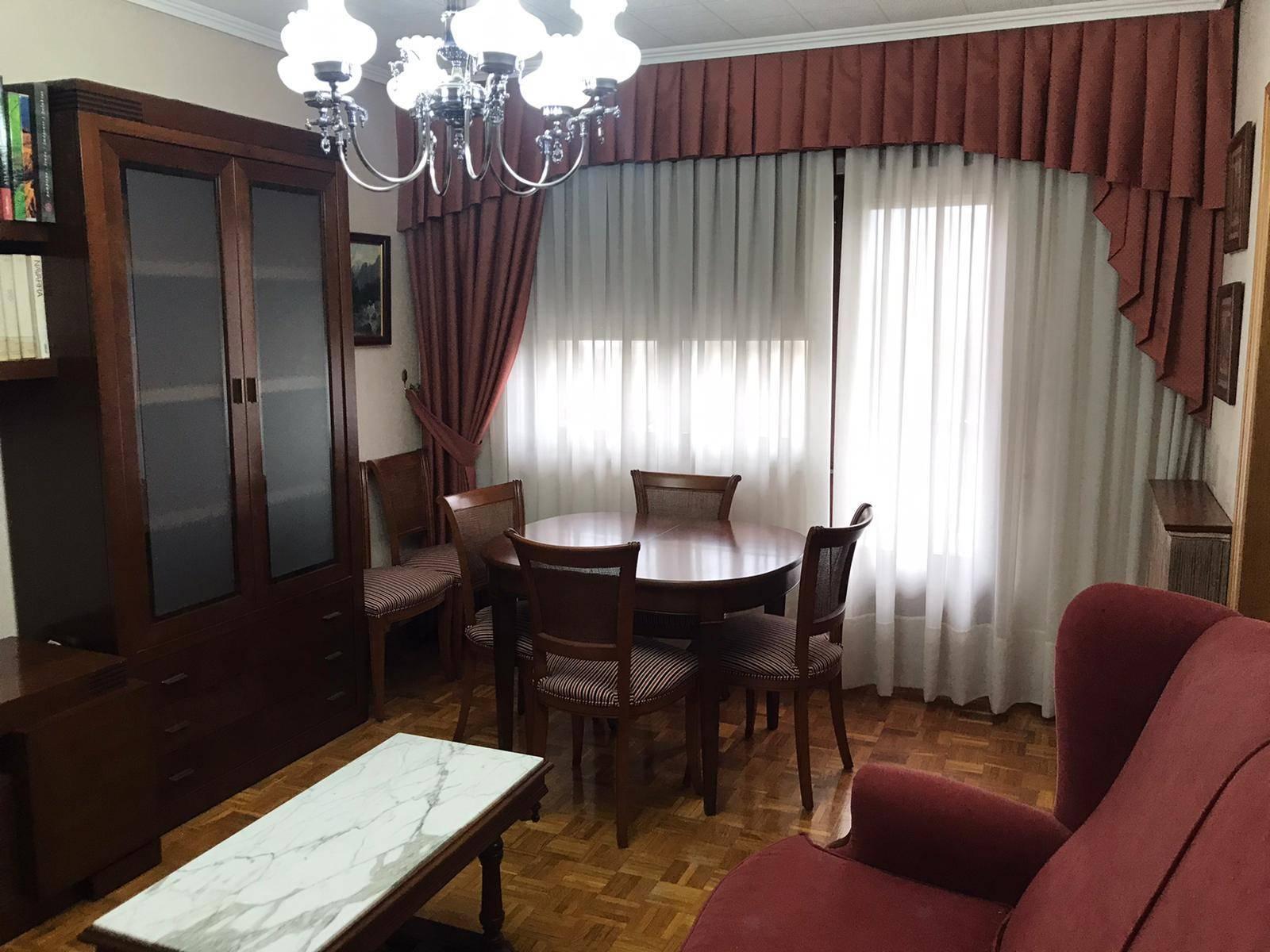 Amplio piso en Orvina-Txantrea